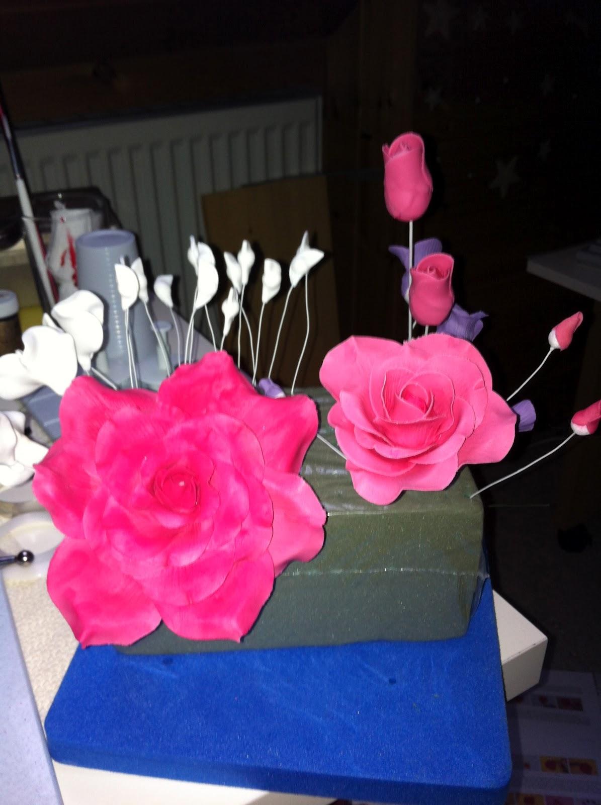 tanjas tortenfiguren aus fimo rosen zum 40 hochzeitstag. Black Bedroom Furniture Sets. Home Design Ideas
