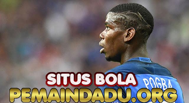 Gelandang Manchester United Paul Pogba Positif Covid-19