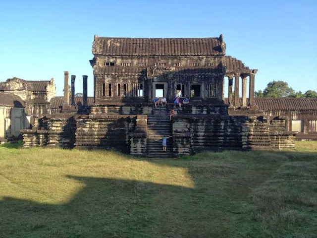 The Tuna School of Thought: Phnom Penh Pals for Angkor Wat(?)