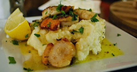 Grilled Scallops with Garlic Potato Mash