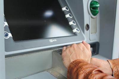 Jangan Panik!!! Pengalaman Kartu ATM nyangkut di Mesin ATM Terselesaikan dalam Sehari, Uangpun Kembali