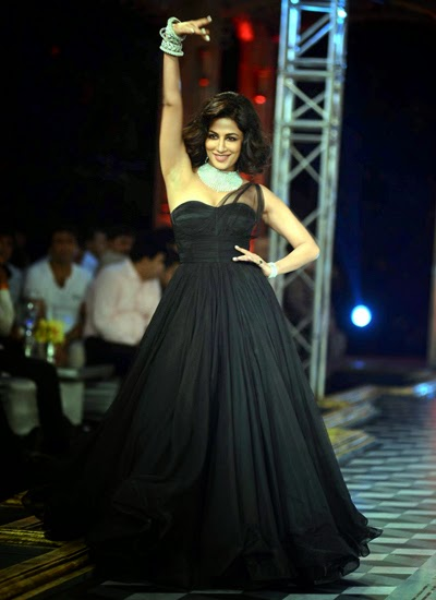 Chitrangada Singh walk the ramp on final day of ICW-2014