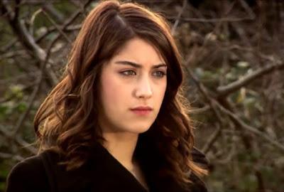 النجمتان التركيتان سونغول أودان وفهرية أفجان تدافعان عن هازال كايا لدعمها المثليين