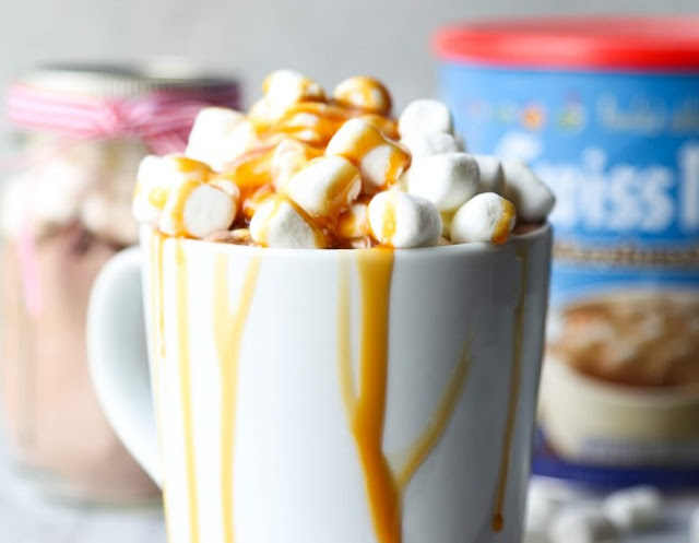CARAMEL MARSHMALLOW HOT CHOCOLATE #drinks #hotchocolate