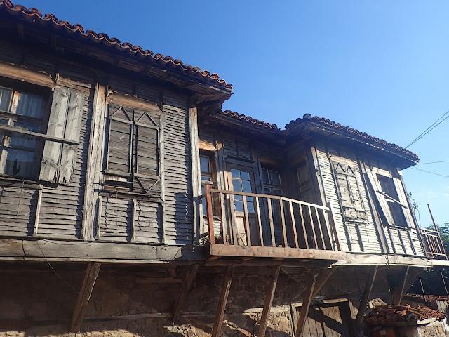 Drewniany, stary dom (Sozopol)