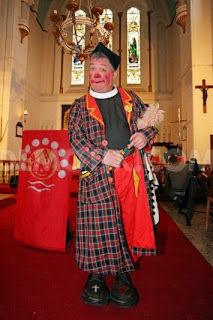 vicar clown