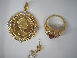 金の値段が高いのでゴールド製品を売却される方が増えています