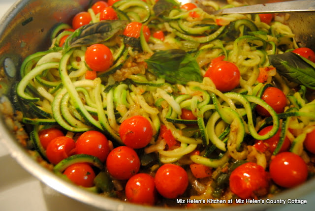 Zoodles with Fresh Tomato Saute at Miz Helen's Country Cottage