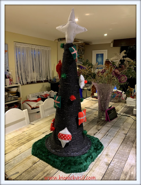 Catmas Crafting with Cats Special ©BionicBasil® Catmas Tree Scratcher with Velcro Catnip Ornaments