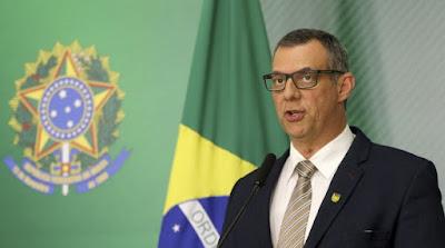 General Rego Barros detona Bolsonaro em artigo