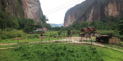 Tempat Wisata Sumatera Barat : Lembah Harau Payakumbuh