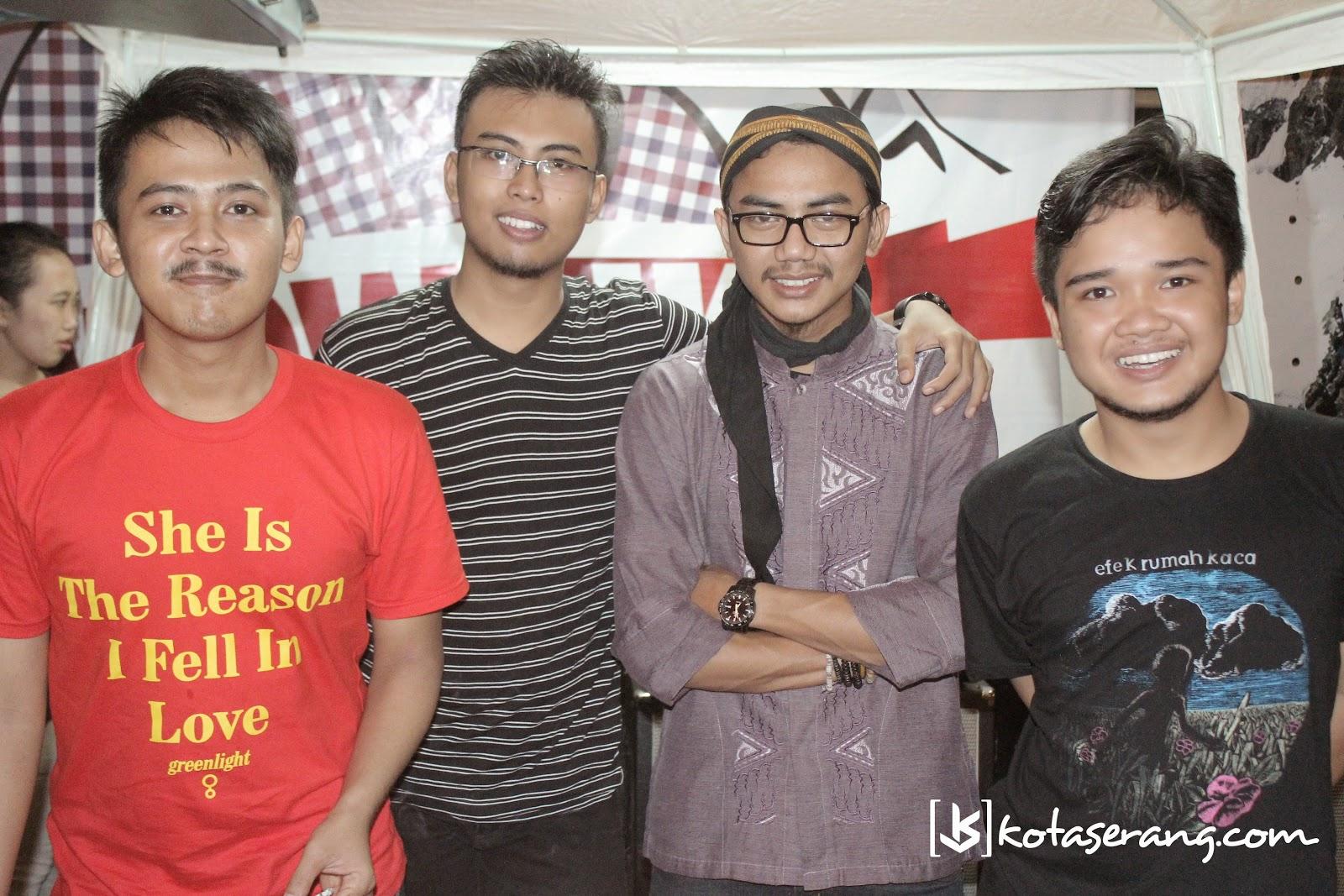 StayUp Band Pada Acara Musik Amal Sambut Ramadhan  Dengan Berbagi