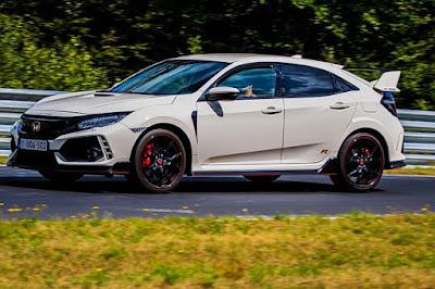 Honda Civic Type R ( Rp 1,04 miliar )