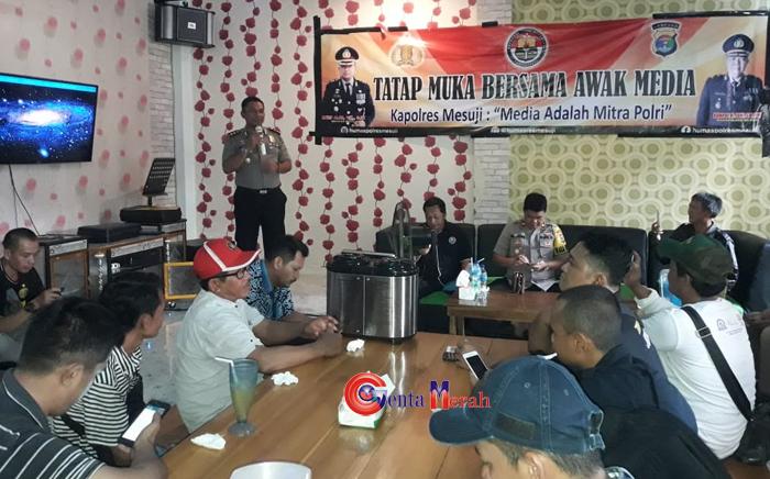 Kapolres Mesuji : Wartawan Mitra Polisi Turut Andil Membantu Tugas Kepolisian