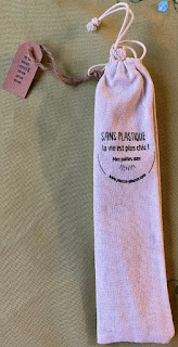 Pochette de coton bio pour y glisser les pailles en inox et le goupillon