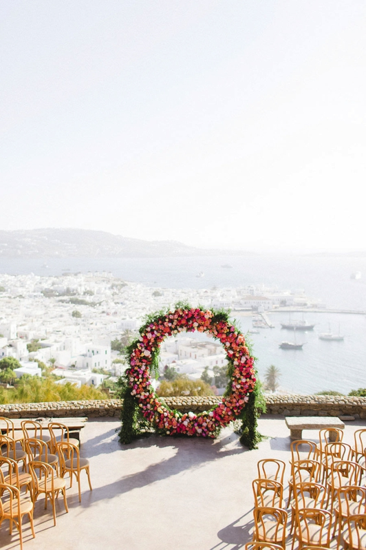 primaveral boda en mikonos chic and deco blog