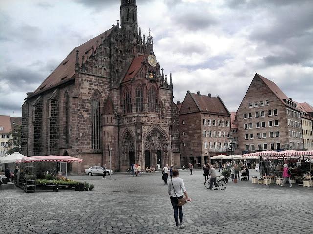 Hauptmarkt y Frauenkirche