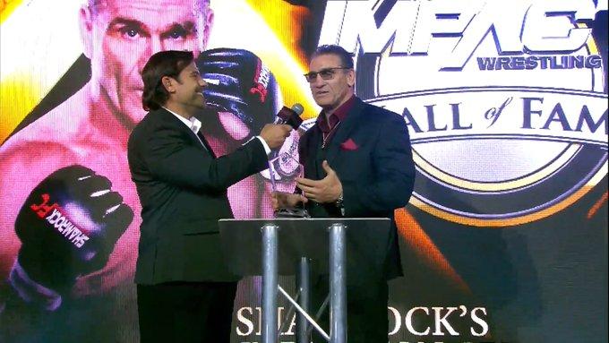 The Rock, Mick Foley e Bret Hart prestam homenagem a Ken Shamrock na cerimônia do IMPACT Hall of Fame