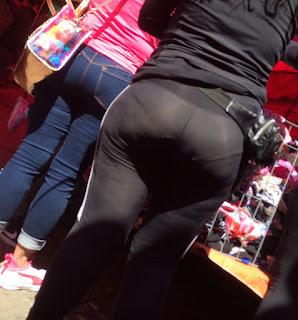 Transparencias callejeras mujeres sabrosas leggins ajustados