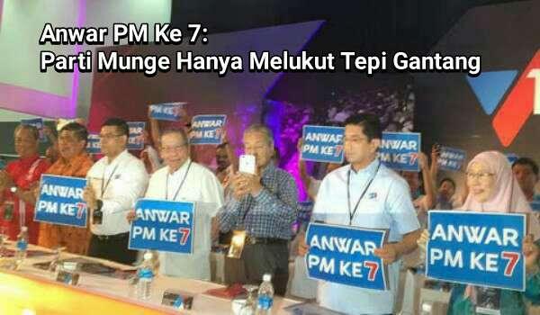 Mahu Jadi PM Kembali, Mahathir Hanya Bertepuk Sebelah Tangan Sahaja