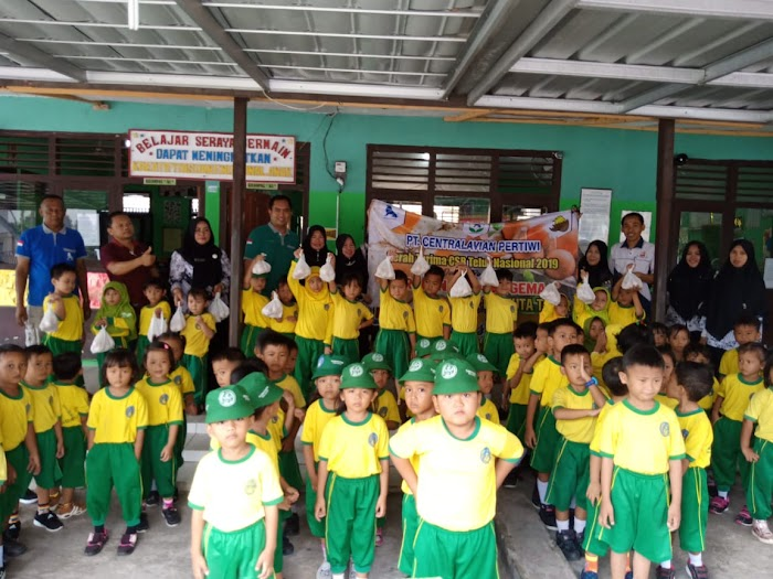 PT. Charoen Pokphand Indonesia (CPI) luncurkan program Gerakan Makan (Gema) 100 juta telur.