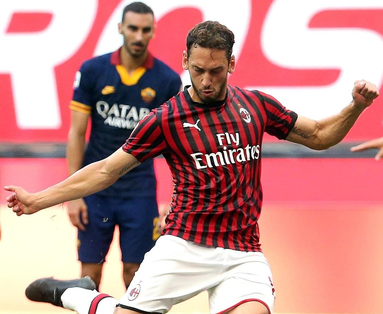 Milan venció a la Roma en un duelo clave por entrar a las copas
