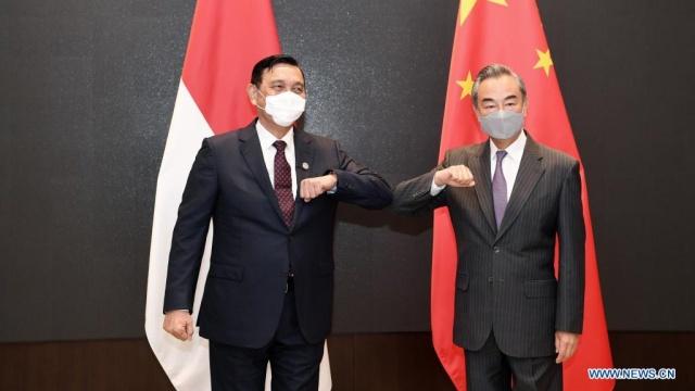 Tangani Pandemi Covid-19, Menko Luhut Minta Bantuan Singapura hingga China