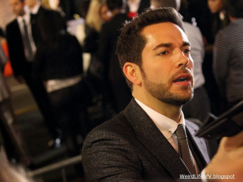 Zachary Levi signing autographs at the Thor: The Dark World premiere