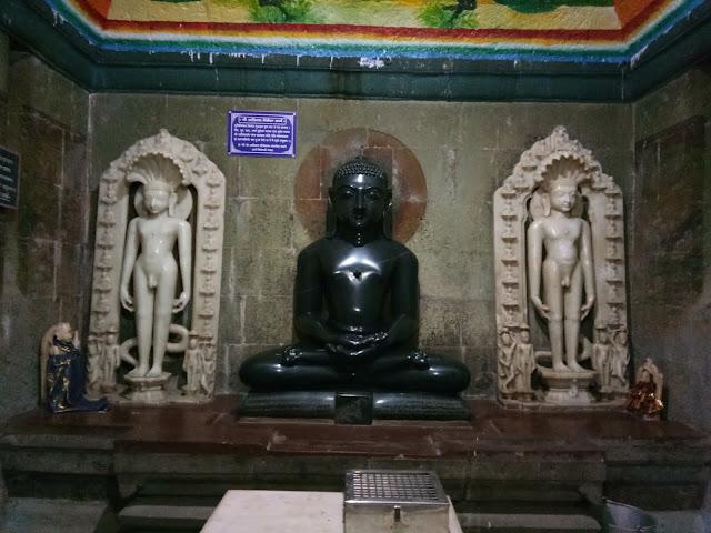 Jain Temple, Maharashtra, Dahigaon, Sholapur, Shri 1008 Mahavir Swami Digambar Jain Temple