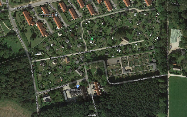 Khu nhà hình oval nhìn từ trên bản đồ google maps