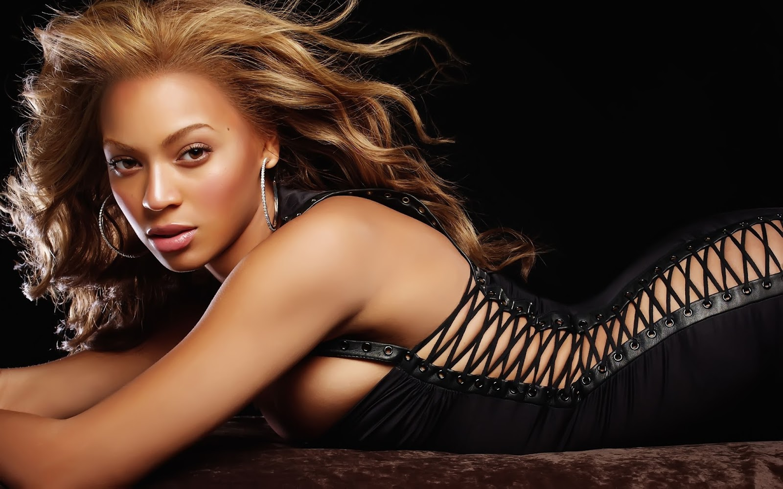 Beyonce Knowles | Famous Celebrity Bible