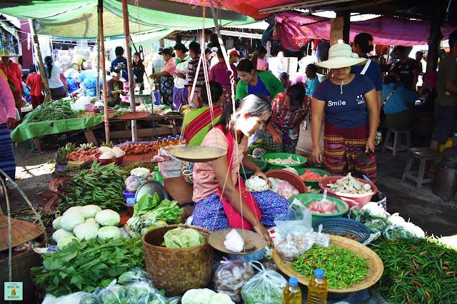 Mercado local en lago Inle