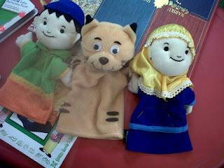 3 boneka tangan sali,saliha,kumi