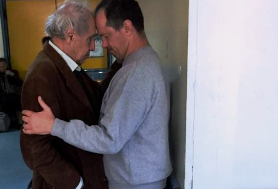 Πέθανε ο γιος του σκηνοθέτη Δημήτρη Κολλάτου, Άλκης (photo) - Greek Web TV  Live