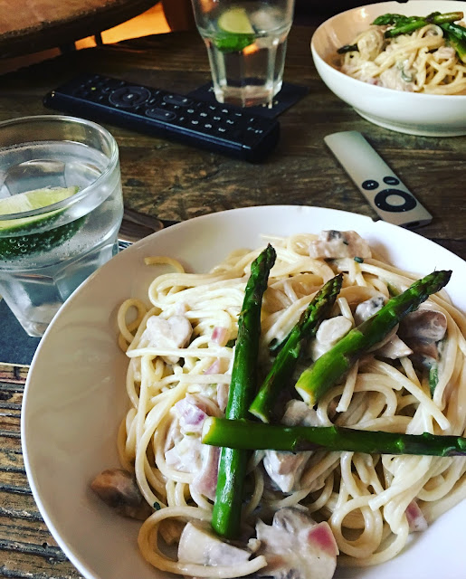 mushroom pasta with asparagus
