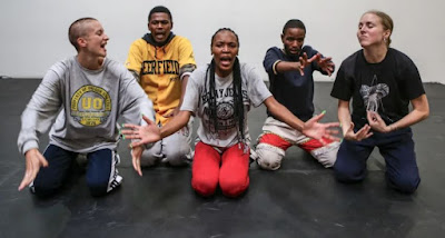 Gruppbild på dansarna i Yebo Yes