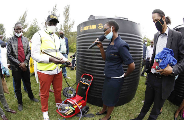Deputy President William Ruto continues to empower his hustler nation, photos