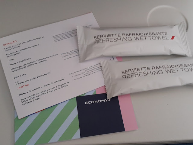 Como é voar na classe econômica da Air France