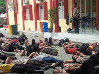 Wow, 70 Anggota Polis Dijemur Kerana Malas Sembahyang