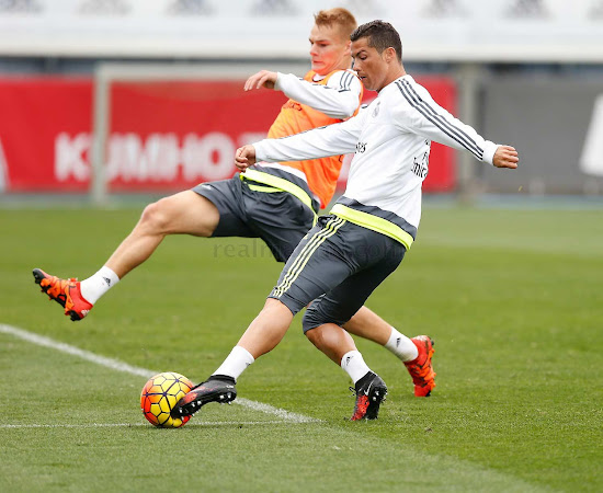 655a257d1c5e Cristiano Ronaldo Trains in Modified Nike Mercurial Superfly CR7 Savage  Beauty Boots