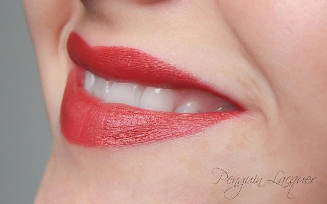 rival de loop matte lipstick 04 mund offen
