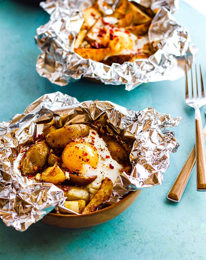 Indian Spiced Potato Egg Foil Packets- his budget friendly gluten free meal plan will show you how to create delicious and healthy gluten free meals, without spending a fortune on the ingredients. Making gluten free meals on a tight grocery budget is possible!