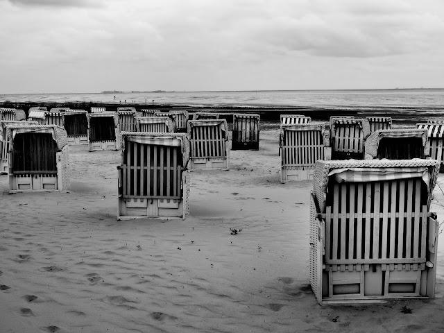 Strandkörbe - Die Körbe sind mit Holzgittern verschlossen