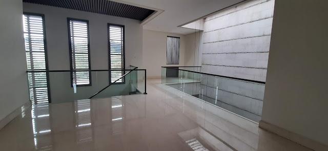 area lantai dua rumah pondok indah