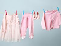 Tips Menghilangkan Noda Membandel Pada Pakaian Bayi