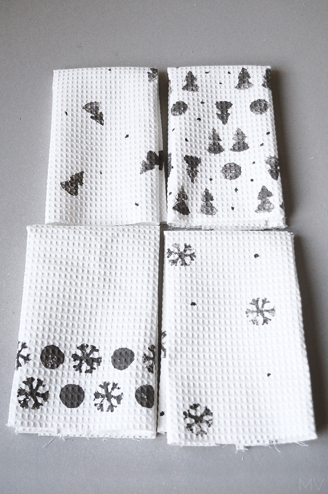 holiday-kitchen-towels-design
