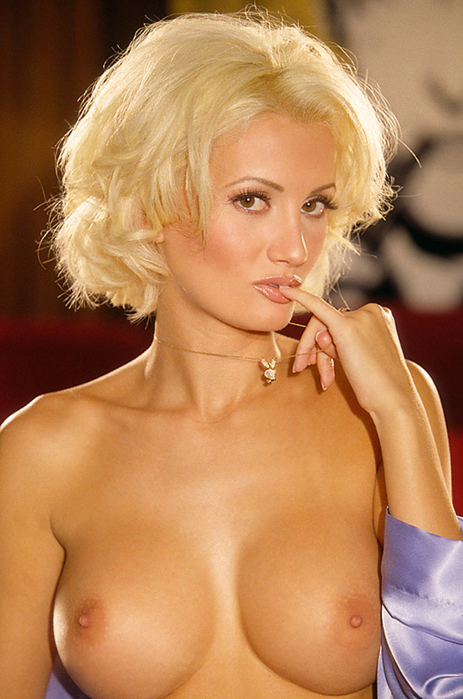 Holly Madison Nude Playboy Pics