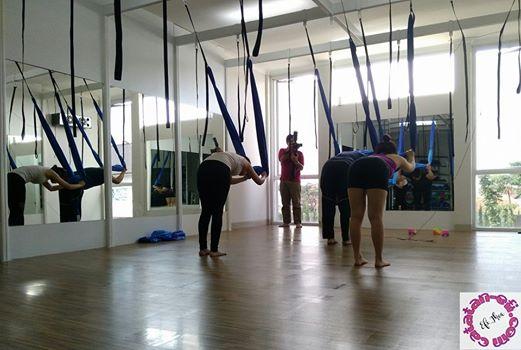 http://www.catatan-efi.com/2016/07/seseruan-ariel-yoga-di-sitara-studio-bandung.html