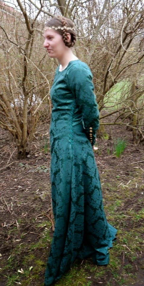 Eva's historical costuming blog: Two fitted dresses from the