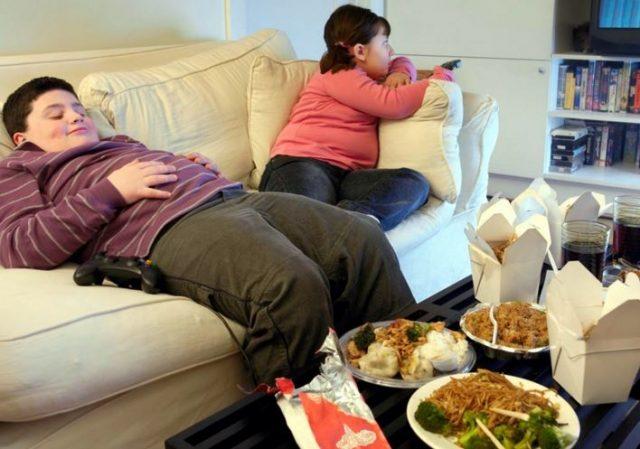 Berisiko Obesitas Sebelum Usia 2 Tahun Konsumsi Antibiotik